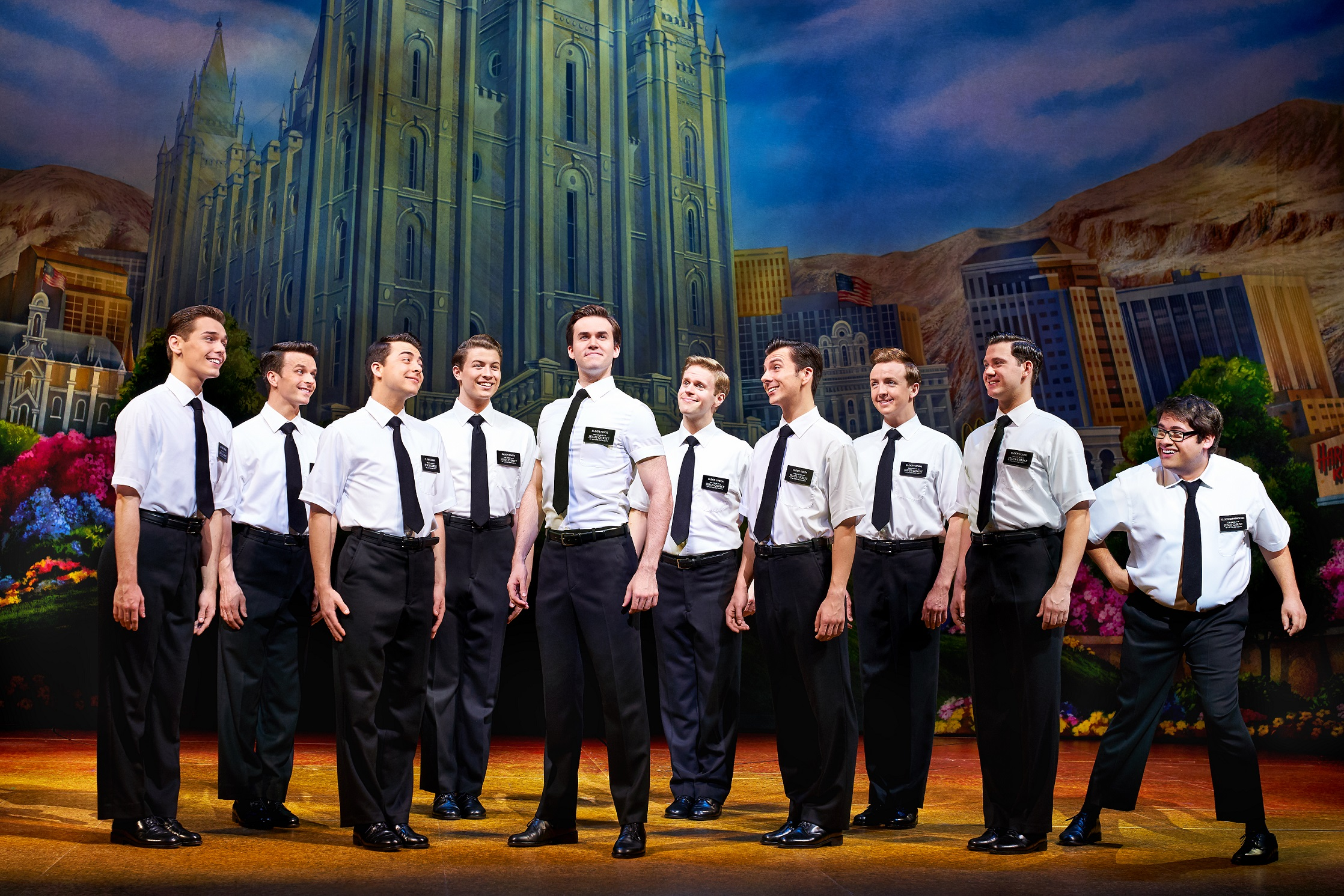 the-book-of-mormon-foto-01-credit-paul-coltas